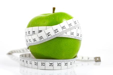 Яблоко и сантиметр