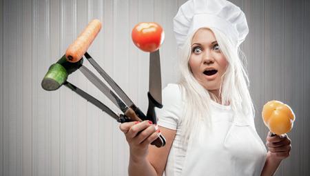 Повариха на кухне!
